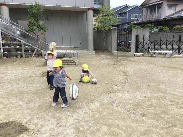 [ボールで遊んだよ」(本園さくら2組)